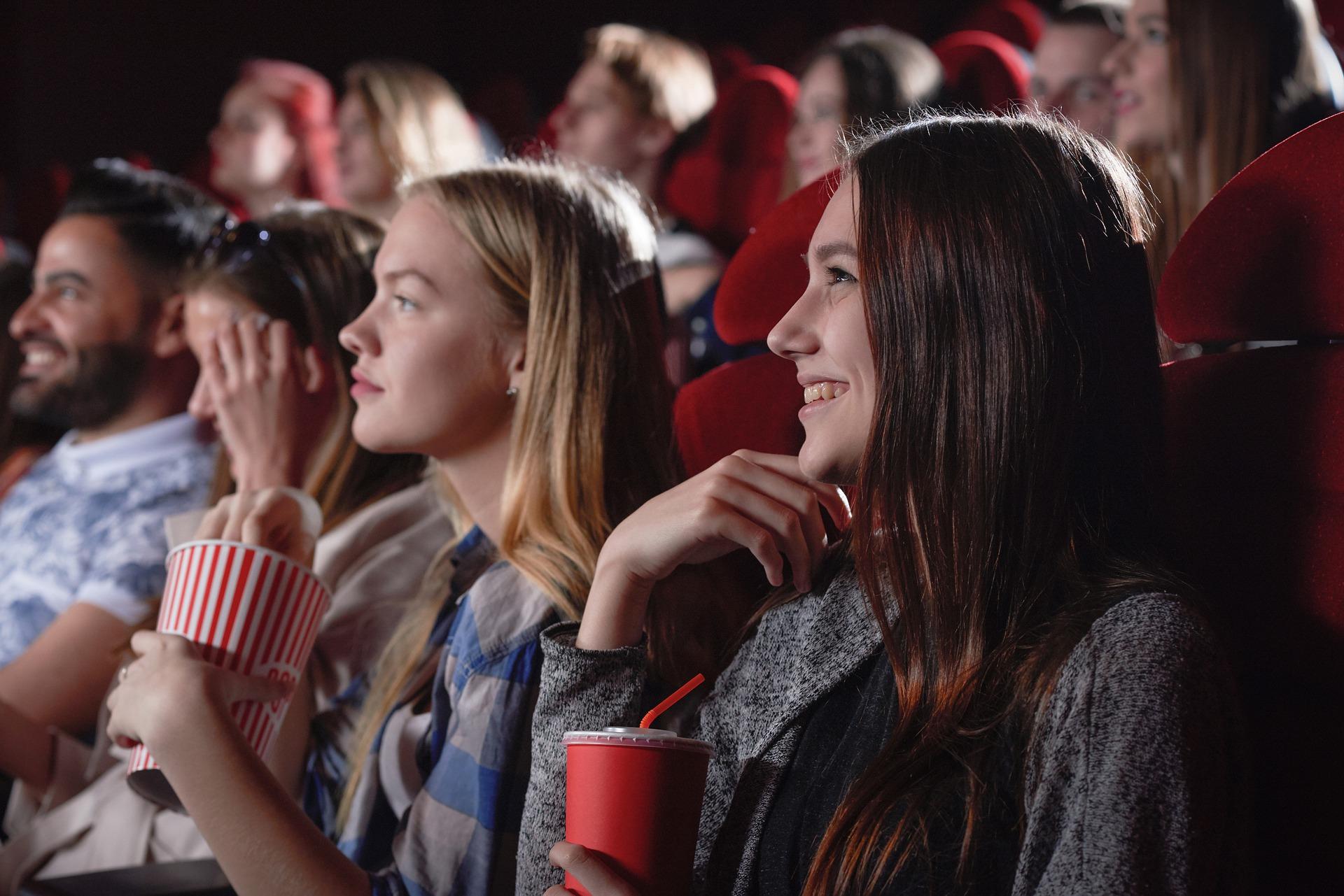 【映画鑑賞好きの学生必見!?】就活生が就活生が見るべき映画5選